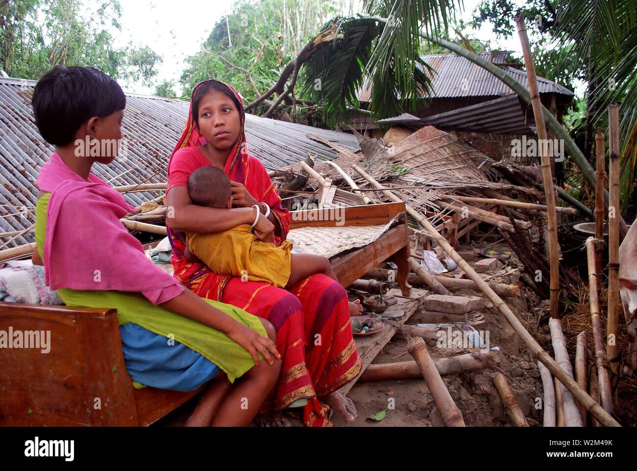 A tornado hits Sundarganj, Sadr and Phulchari upazilla of Gaibandha, injuring at least forty people and damaging three hundred homes in the area. Gaibandha, Bangladesh. October 7, 2009. - Stock Image