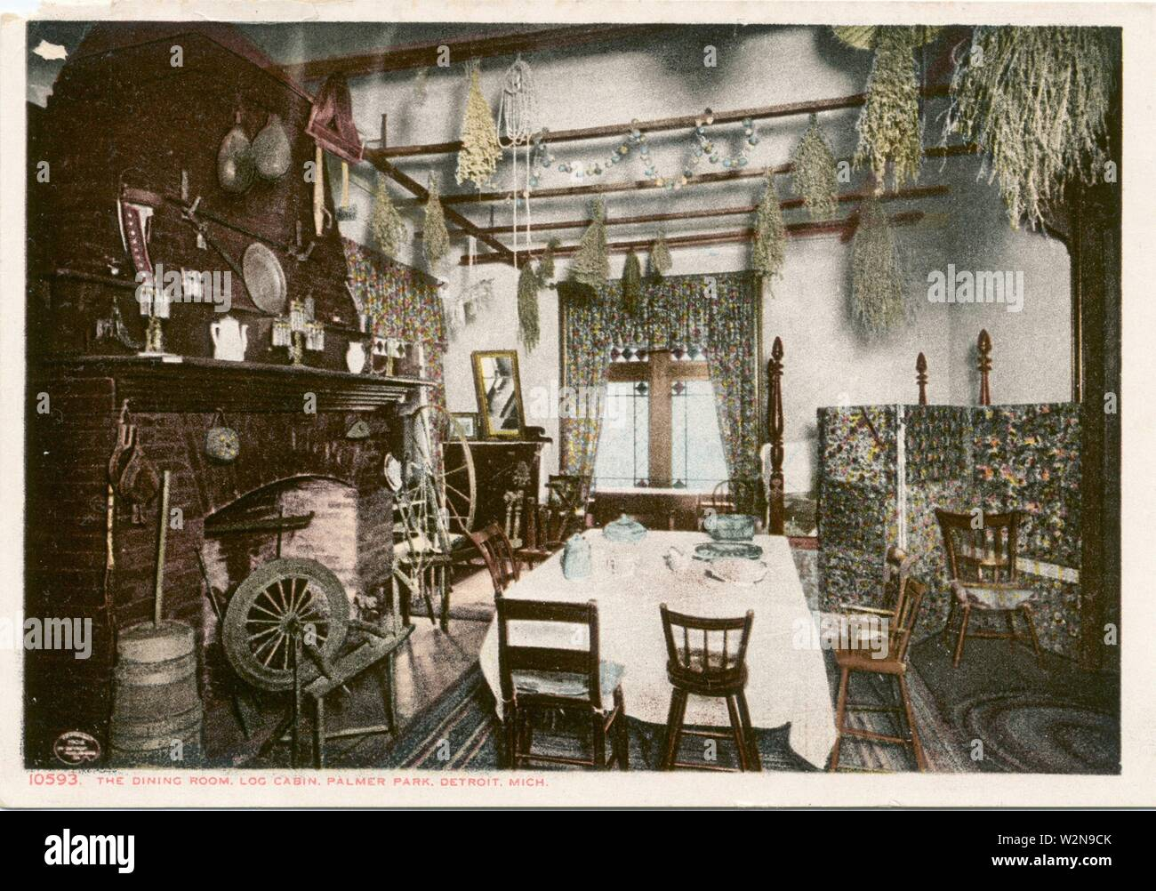 Dining Room of Log Cabin, Palmer Park, Detroit, Mich. Detroit Publishing Company postcards 10000 Series. Date Issued: 1898 - 1931 Place: Detroit - Stock Image