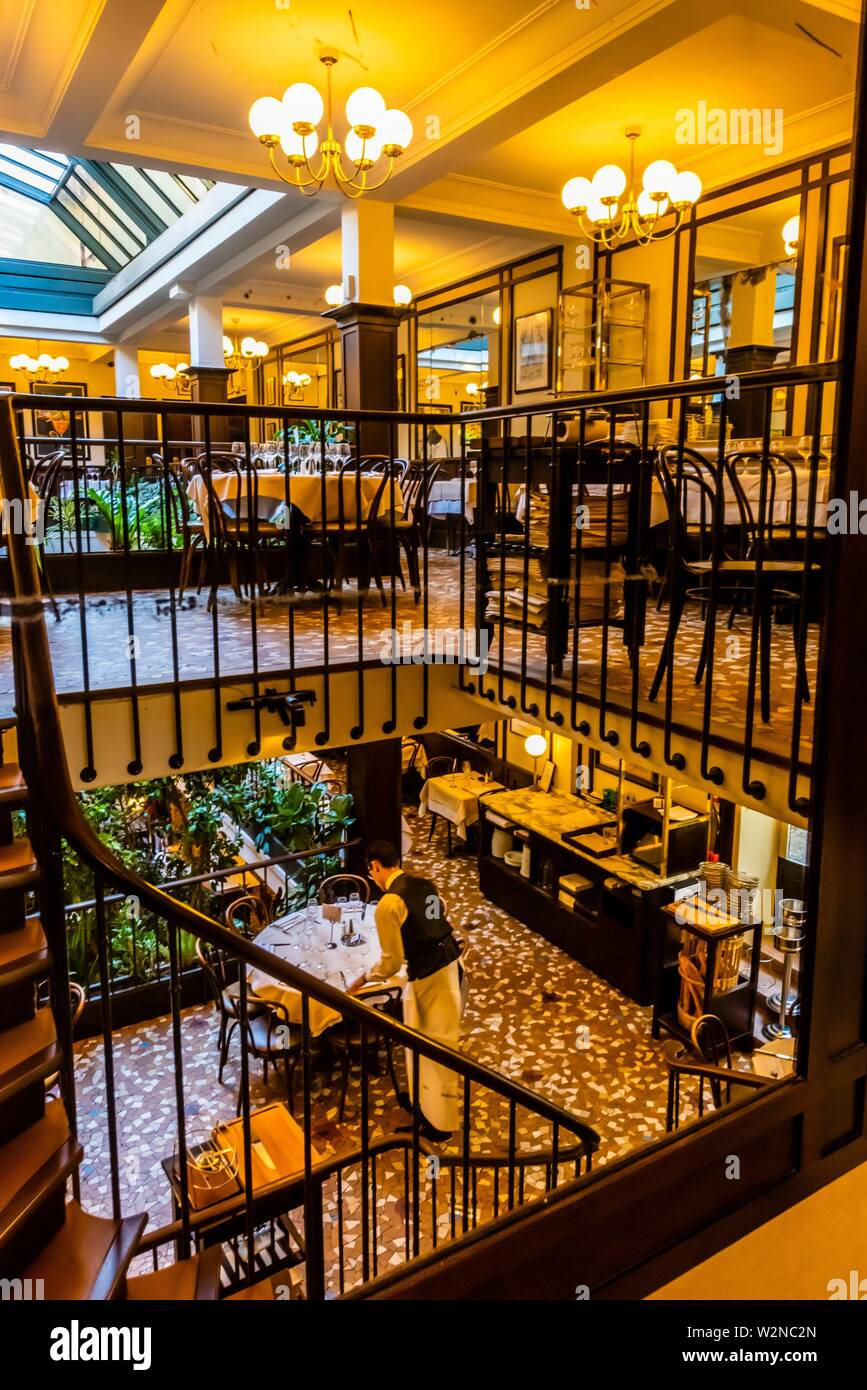 Interior Of Cafe Le Paris Stock Photos & Interior Of Cafe Le