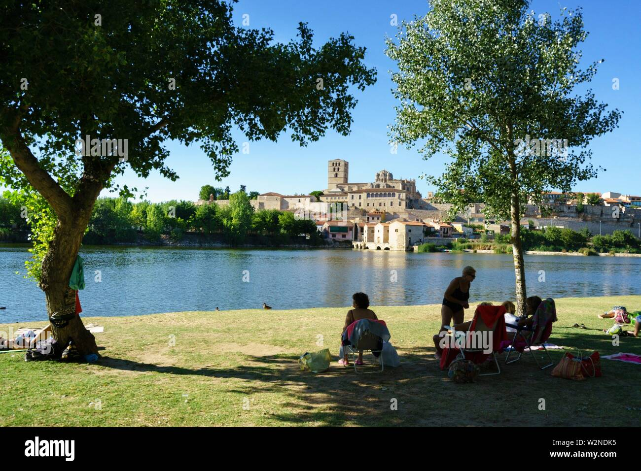 Los Pelambres beach, is a river beach of the Duero river, picnic and leisure place - Stock Image