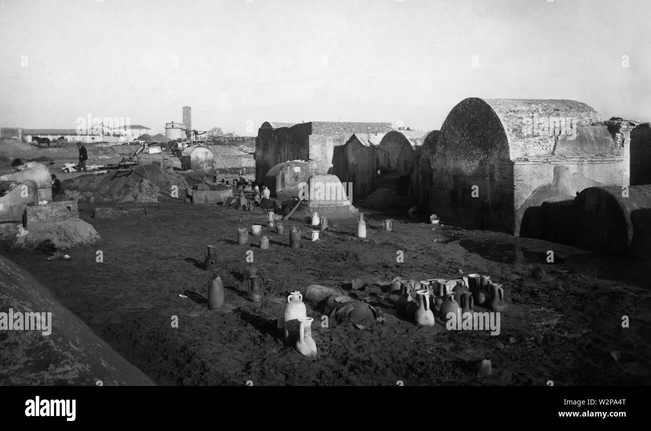 lazio, burial ground at Ostia Antica, 1930 - Stock Image