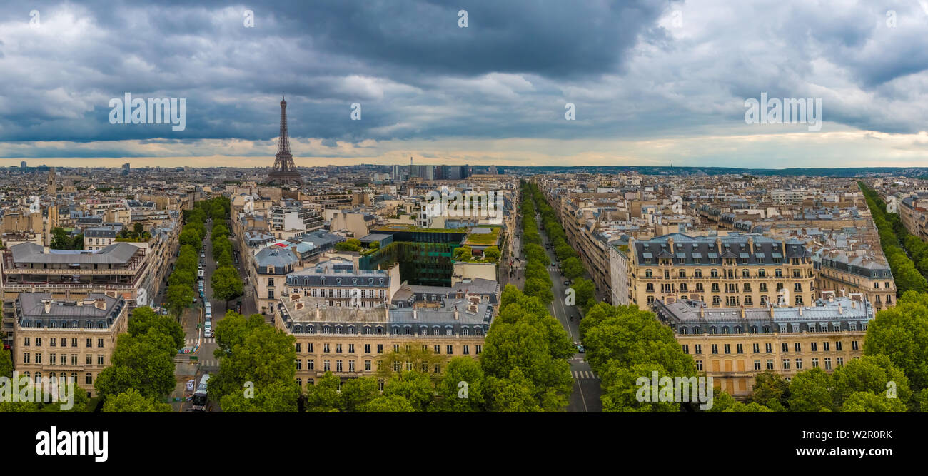 Great aerial panorama picture of the Paris cityscape with the famous and iconic Eiffel Tower including Avenue d'Iéna, Avenue Kléber and Avenue Victor... Stock Photo