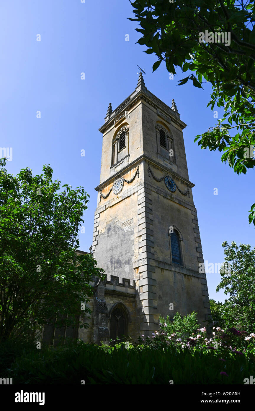 Woodstock village Oxfordshire UK - The picturesque village St Mary Magdalene Church of Woodstock near Oxford - Stock Image