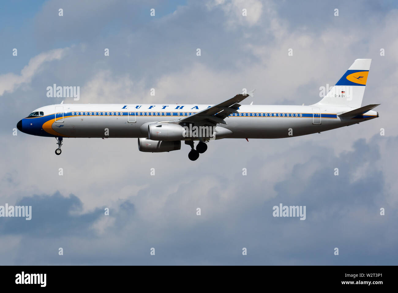 Retro Livery Stock Photos & Retro Livery Stock Images - Alamy