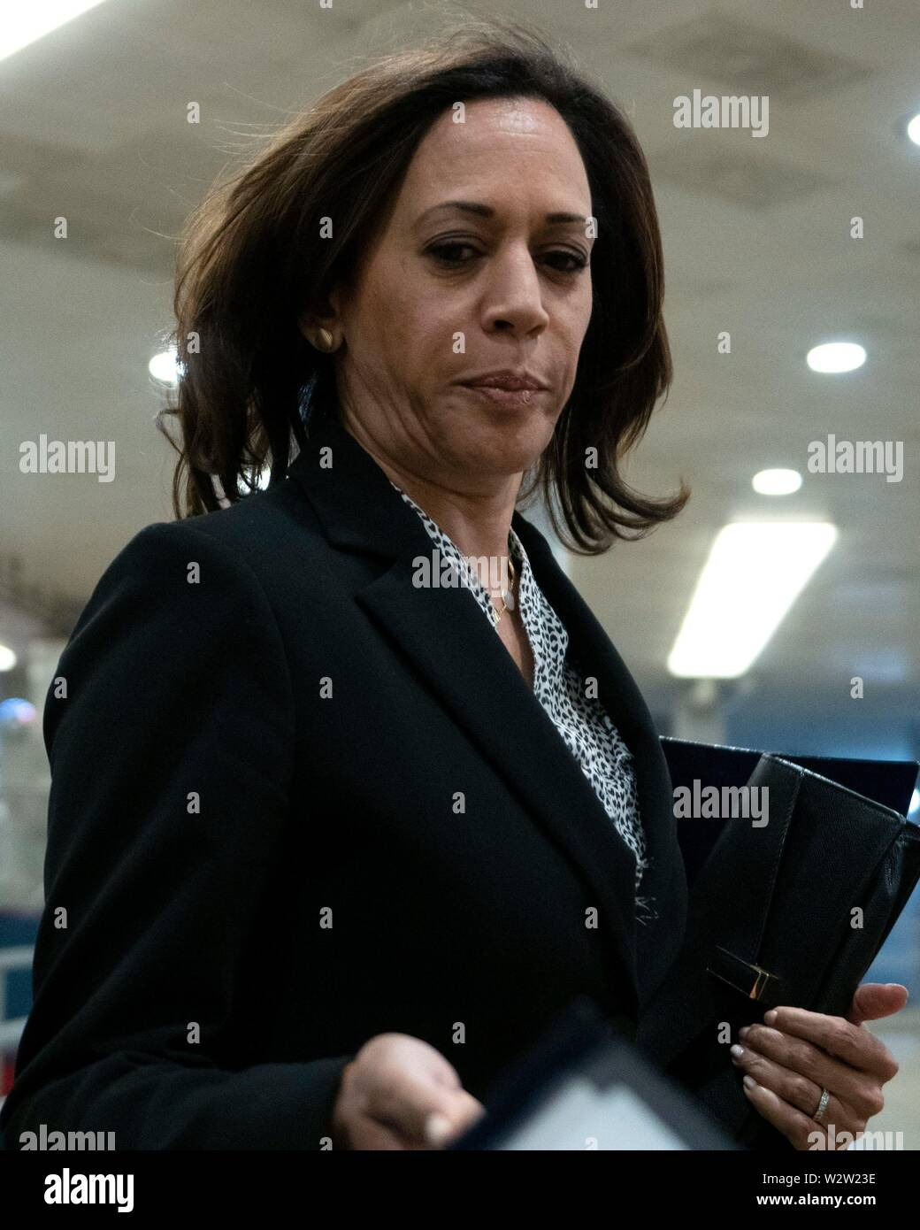 Washington, United States Of America. 10th July, 2019. United States Senator Kamala Harris (Democrat of California) arrives to a closed door briefing on American election security on Capitol Hill in Washington, DC, U.S. on July 10, 2019. Credit: Stefani Reynolds/CNP | usage worldwide Credit: dpa/Alamy Live News Stock Photo