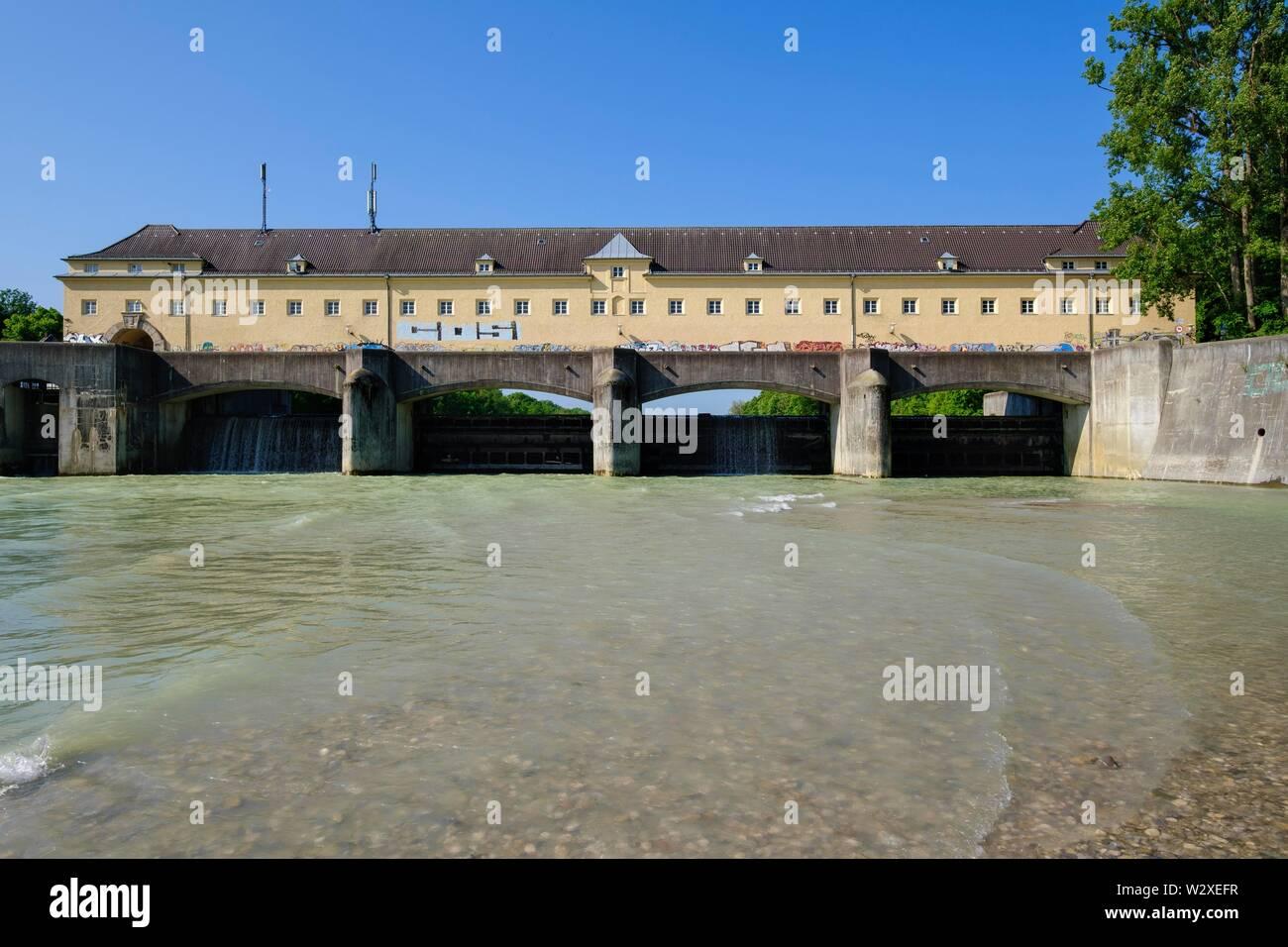 Weir Oberfohring at the Isar, Bogenhausen, Munich, Upper Bavaria, Bavaria, Germany - Stock Image