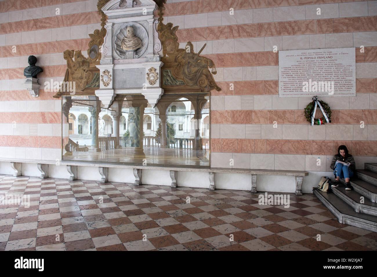 Italy, Friuli Venezia Giulia, Udine, Piazza Libertà, Loggia del Lionello - Stock Image