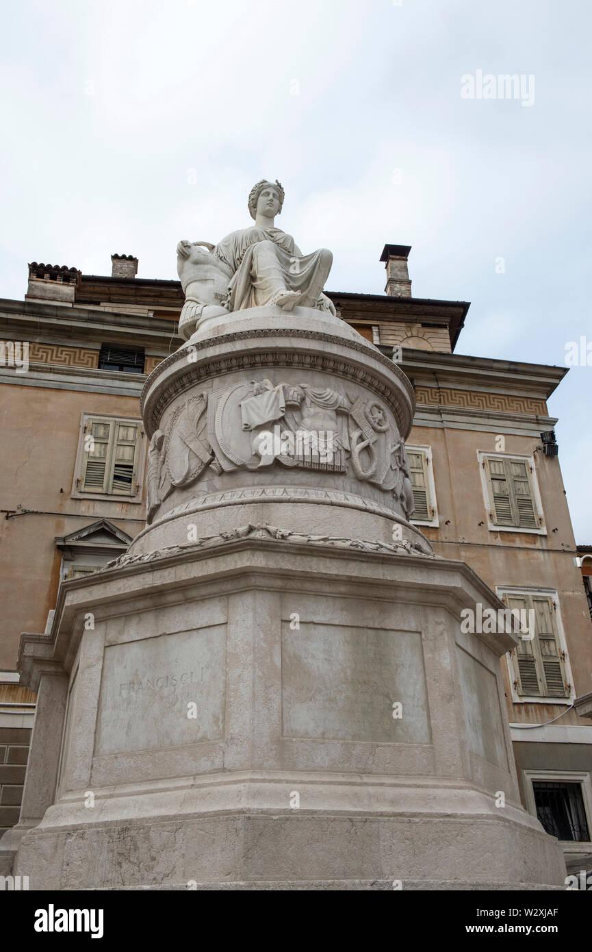 Italy, Friuli Venezia Giulia, Udine, Piazza Libertà, Statua della Pace - Stock Image