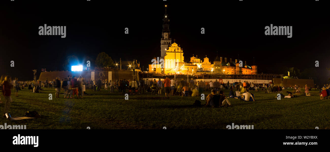 A panoramic view of the Jasna Góra Sanctuary in Czestochowa during a service, Poland 2018. - Stock Image