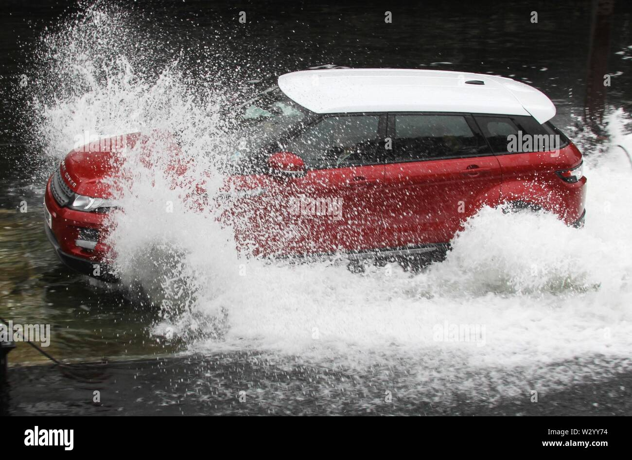 Liverpool,Uk GLOBEL PRESS LAUNCH OF THE BABY RANGE ROVER EVOKE AT LIVERPOOL ALBERT DOCK credit Ian Fairbrother/Alamy Stock Photos - Stock Image