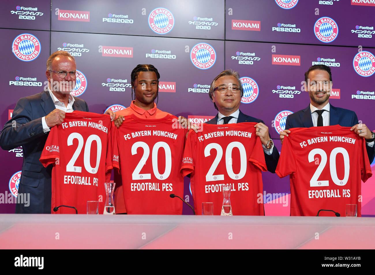 Pro Evolution Soccer Stock Photos & Pro Evolution Soccer