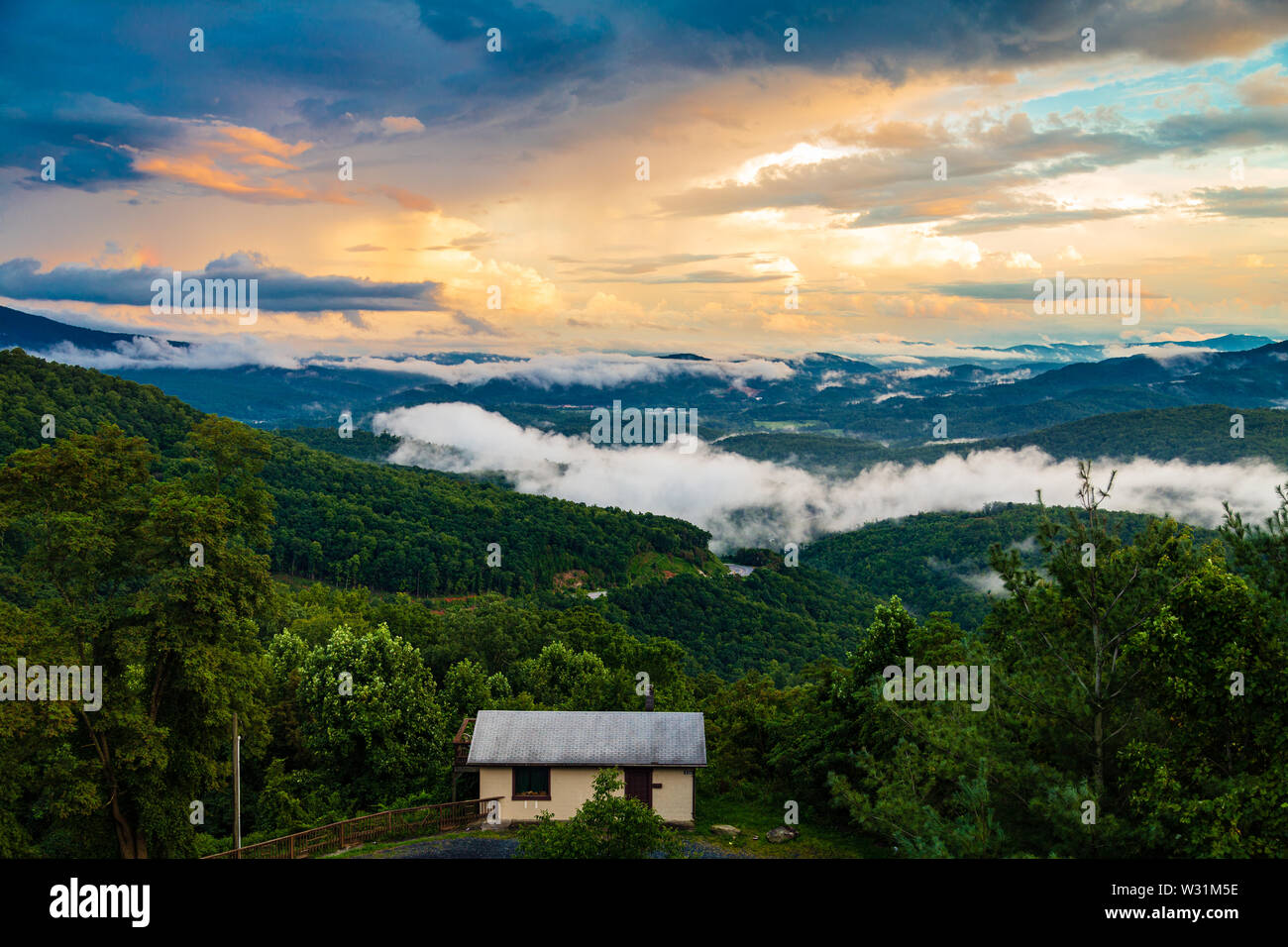 The view south from Gillespie Gap near Spruce Pine, North Carolina, USA. - Stock Image