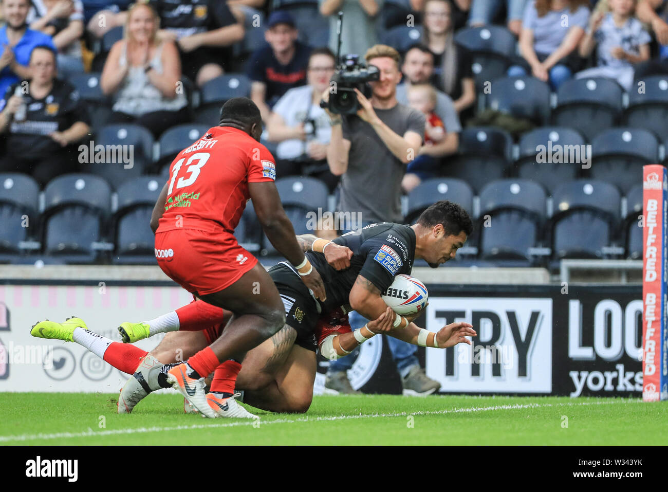 11th July 2019 , KCOM Stadium, Hull, England; Betfred Super League, Round 22, Hull FC vs London Broncos ; Bureta Faraimo (2) of Hull FC goes over for a try   Credit: Mark Cosgrove/News Images - Stock Image