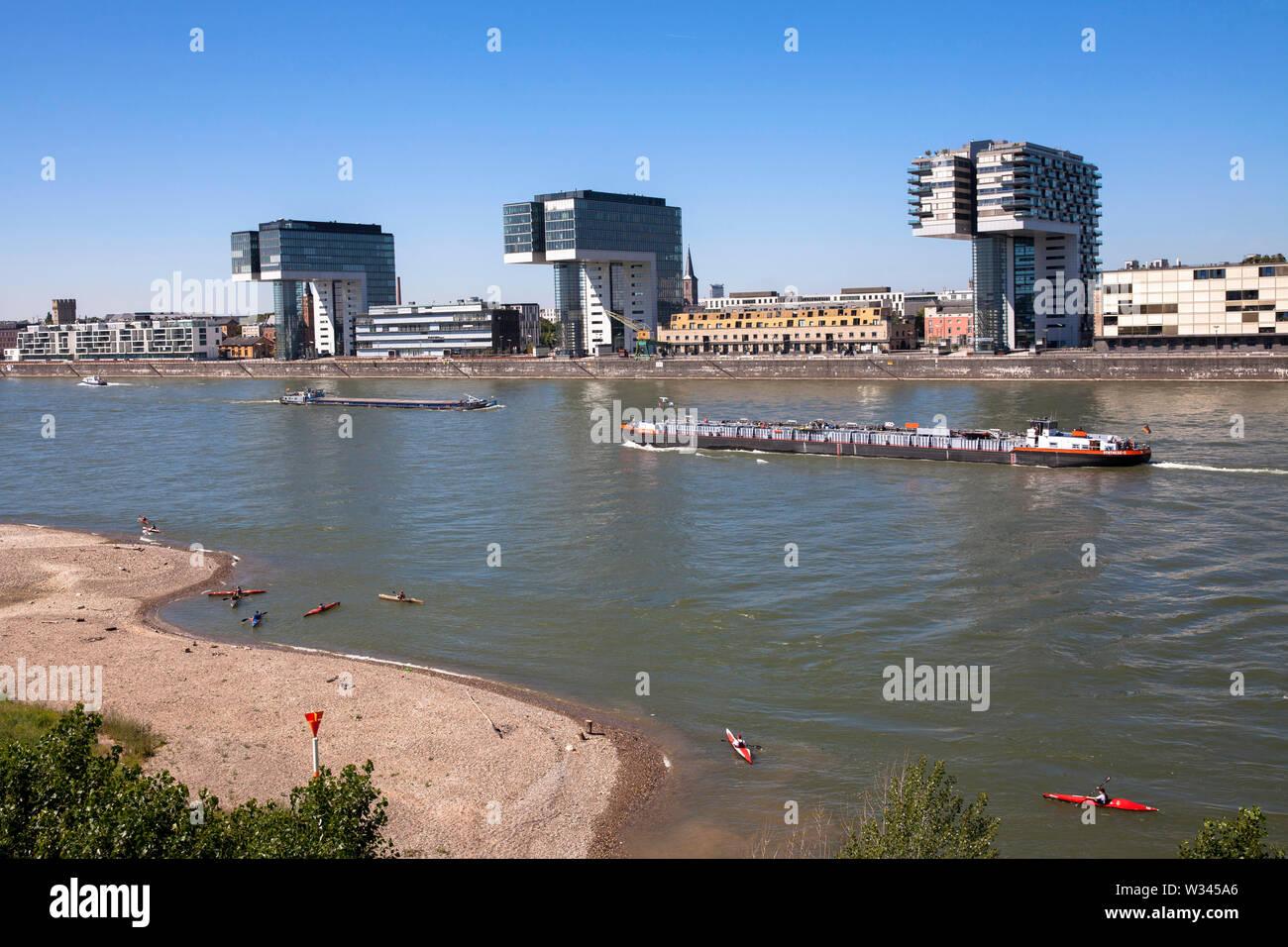 the Crane Houses at the Rheinau harbour, architect Hadi Teherani, river Rhine, Cologne, Germany.  die drei Kranhaeuser im Rheinauhafen, Architekt Hadi - Stock Image