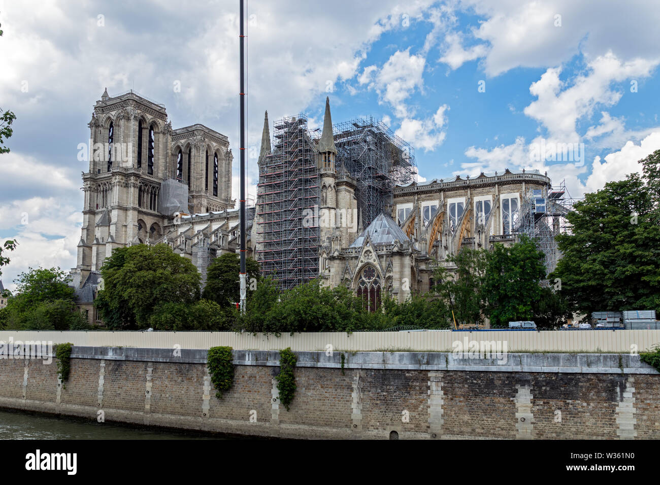 Notre Dame de Paris: Reinforcement of the flying buttresses after the fire - Stock Image
