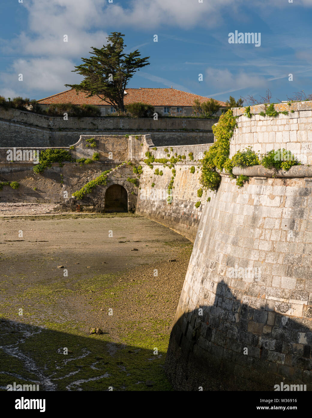 the vauban fortifications of Saint Martin de Re (France) on a sunny day with a blue sky - Stock Image