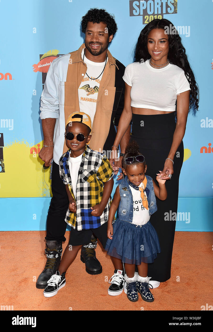 Santa Monica Ca July 11 L R Russell Wilson Ciara Future Zahir Wilburn And Sienna Princess Wilson The artist also shares a daughter with the nfl player. https www alamy com santa monica ca july 11 l r russell wilson ciara future zahir wilburn and sienna princess wilson attend nickelodeon kids choice sports 2019 at barker hangar on july 11 2019 in santa monica california image260145635 html