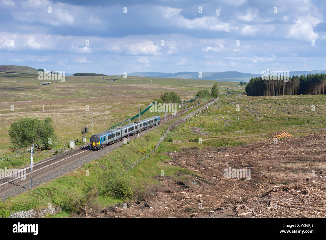 22/06/2019 Shap Wells (Cumbria) 350410 1510 Manchester Airport to Glasgow Central - Stock Image