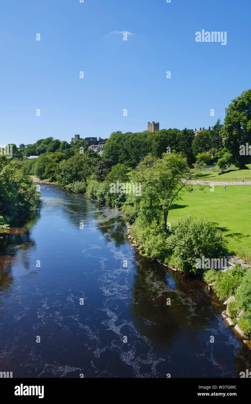 River Swale and Richmond Castle in Richmond North Yorkshire Stock Photo