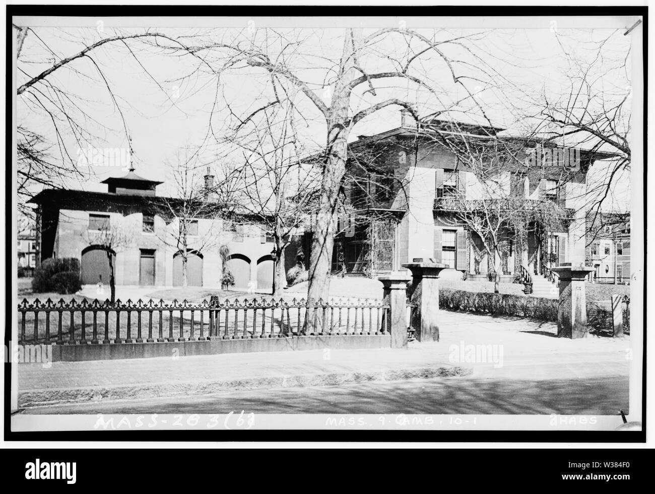 Photograph of Valentine-Fuller House & Garden, 125 Prospect Street, Cambridge, Massachusetts, USA. House built circa 1848; demolished in 1937. Architect unknown. HABS description: Significance: The house, which had an attached carriage house and stable, was one of the most handsomely designed and impressive residences in all Cambridge. The garden, which measured approximately 210' x 510', was unusually large for its neighborhood and was substantially unaltered from its original plan. House and grounds together comprised a particularly fine intact example of an outstanding mid-nineteenth-centur - Stock Image