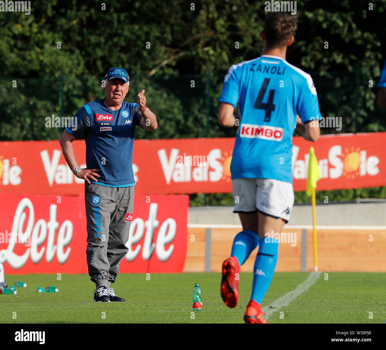 Stadium Carciato, Dimaro, Italy. 13th July, 2019. Pre-season football freindly, Napoli versus Benevento; Carlo Ancelotti coach of Napoli gives instructions to his players Credit: Action Plus Sports/Alamy Live News Stock Photo