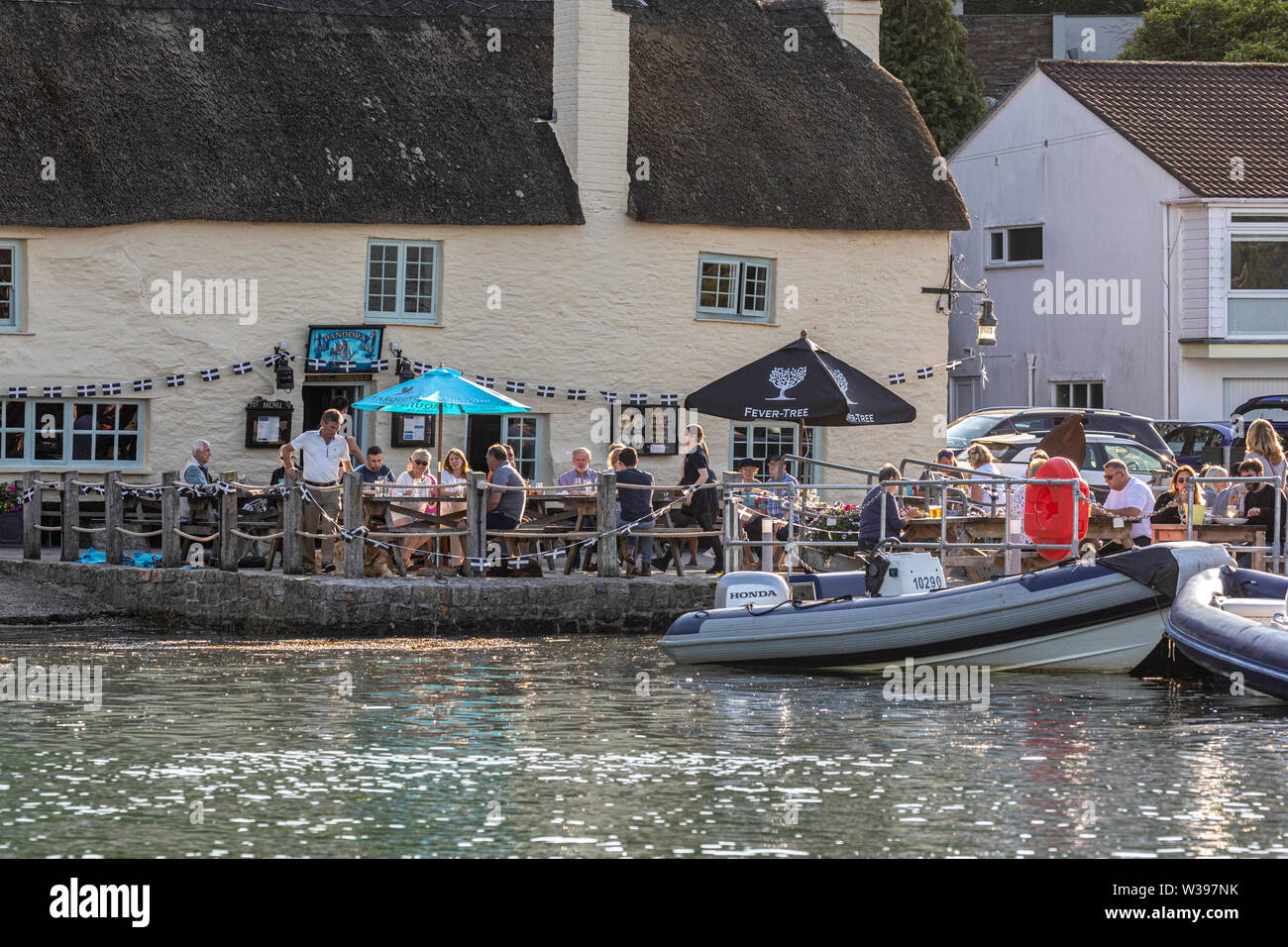 Pandora Inn, Restronguet Creek, Carrick Roads, Falmouth.  Too popular for me!  Photographed from the river. - Stock Image