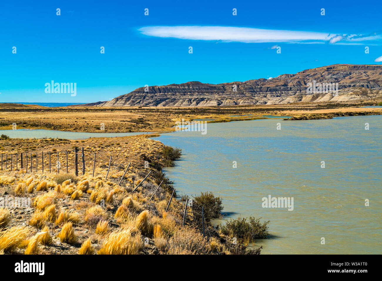 View of mountain and lake on the wayside to El Chalten in Argentina - Stock Image