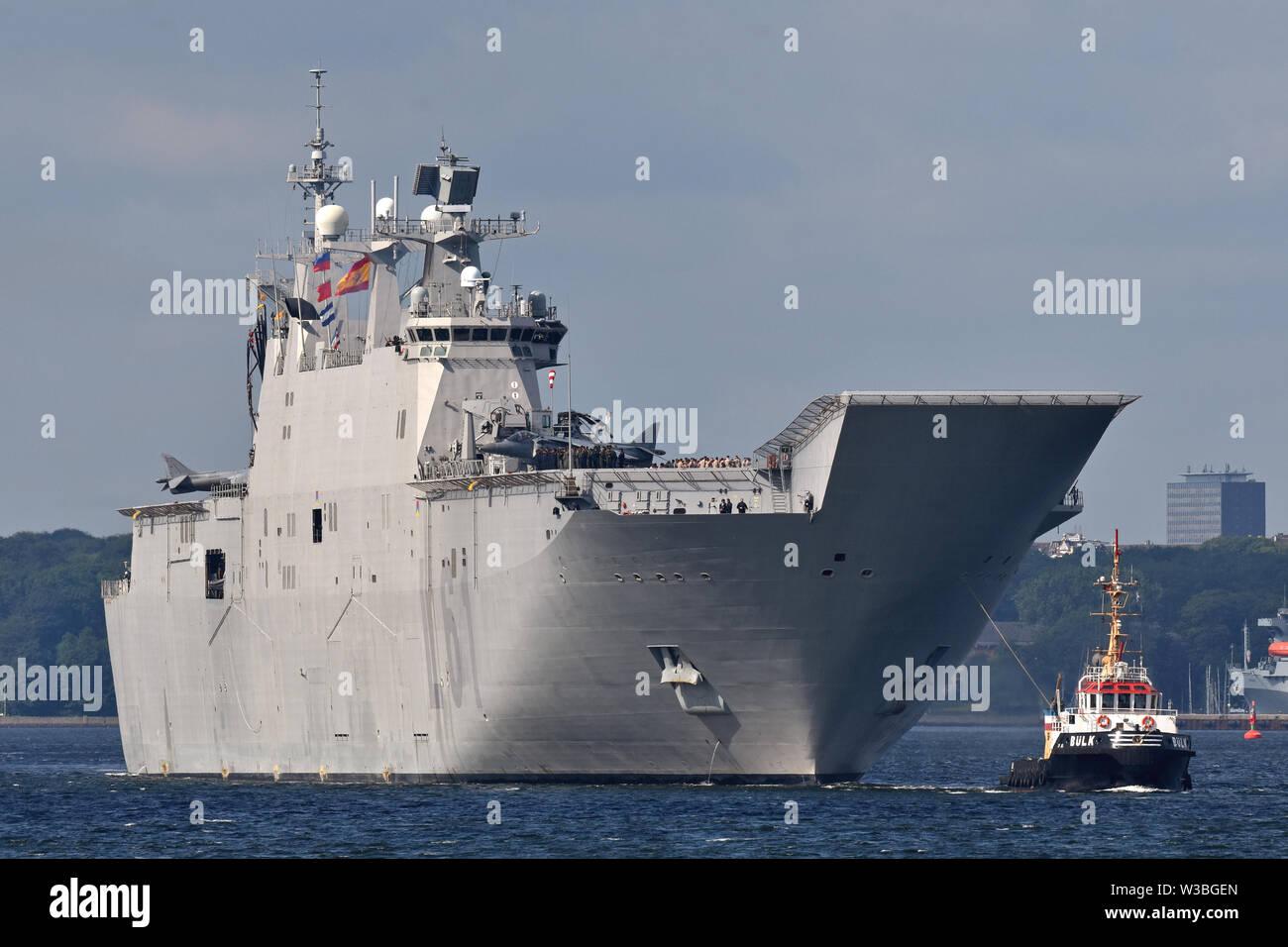 Spanish  amphibious assault ship Juan Carlos I outbound from Kiel Stock Photo