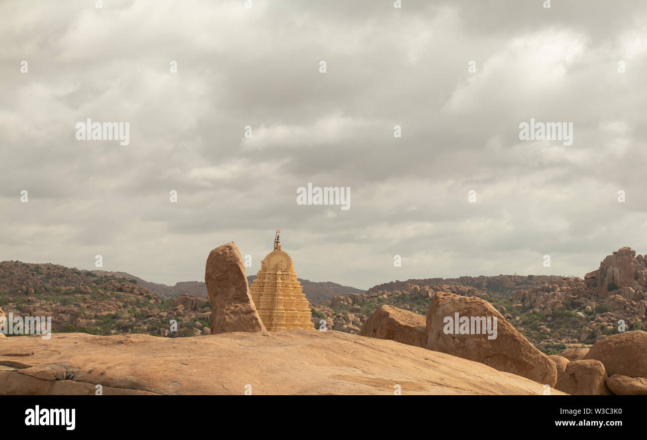 Virupaksha hindu temple Gopuram captured from Hemakuta Hill - Stock Image