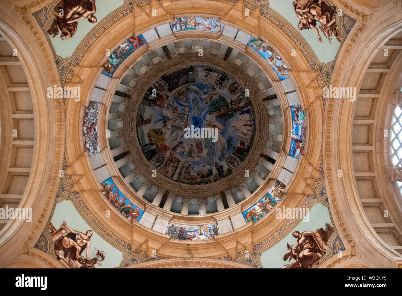 Looking up the dome from the Museu Nacional d'Art de Catalunya in Barcelona, Spain Stock Photo