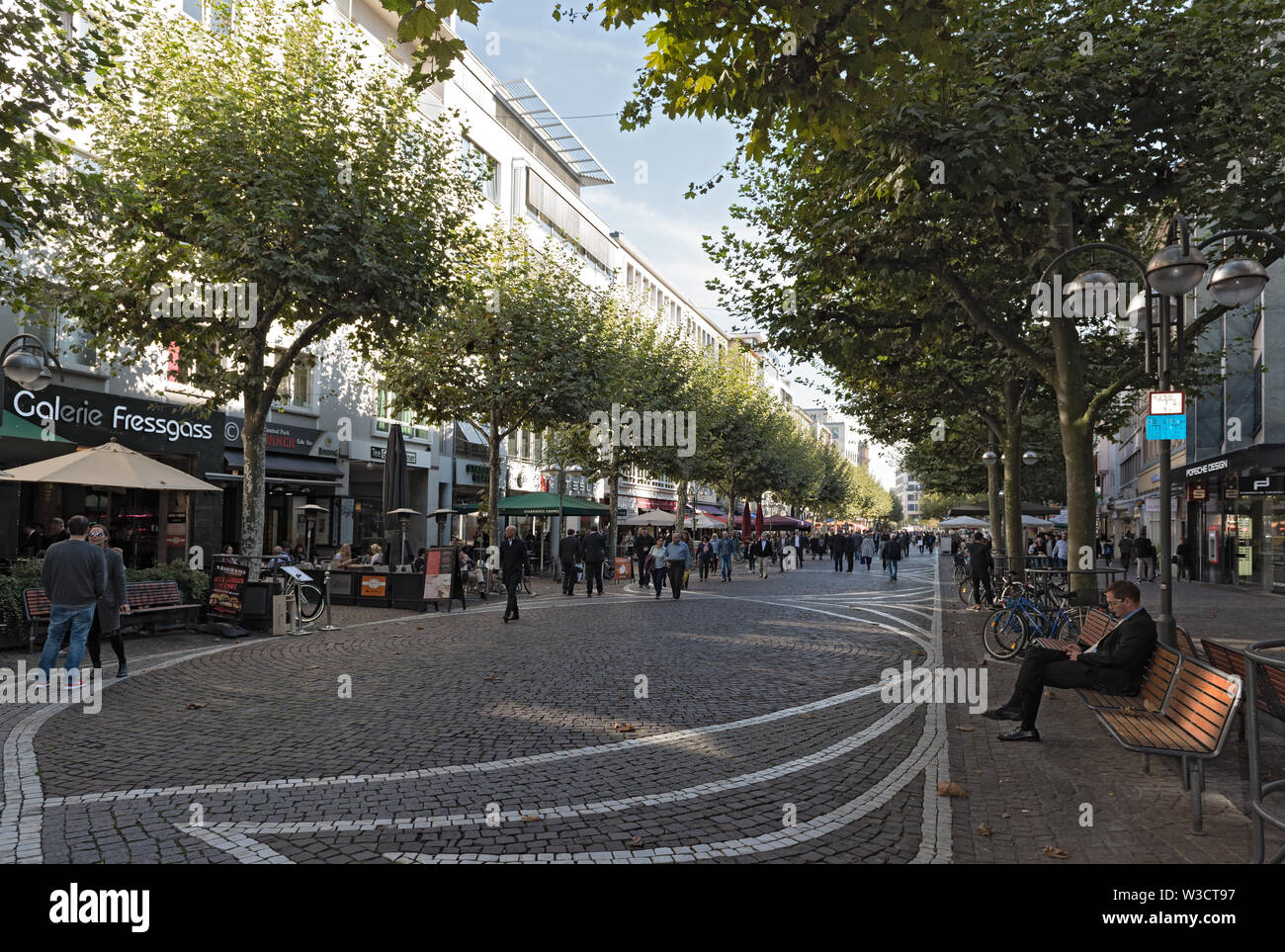 the fressgass upmarket shopping street in the city centre of  frankfurt am main germany - Stock Image