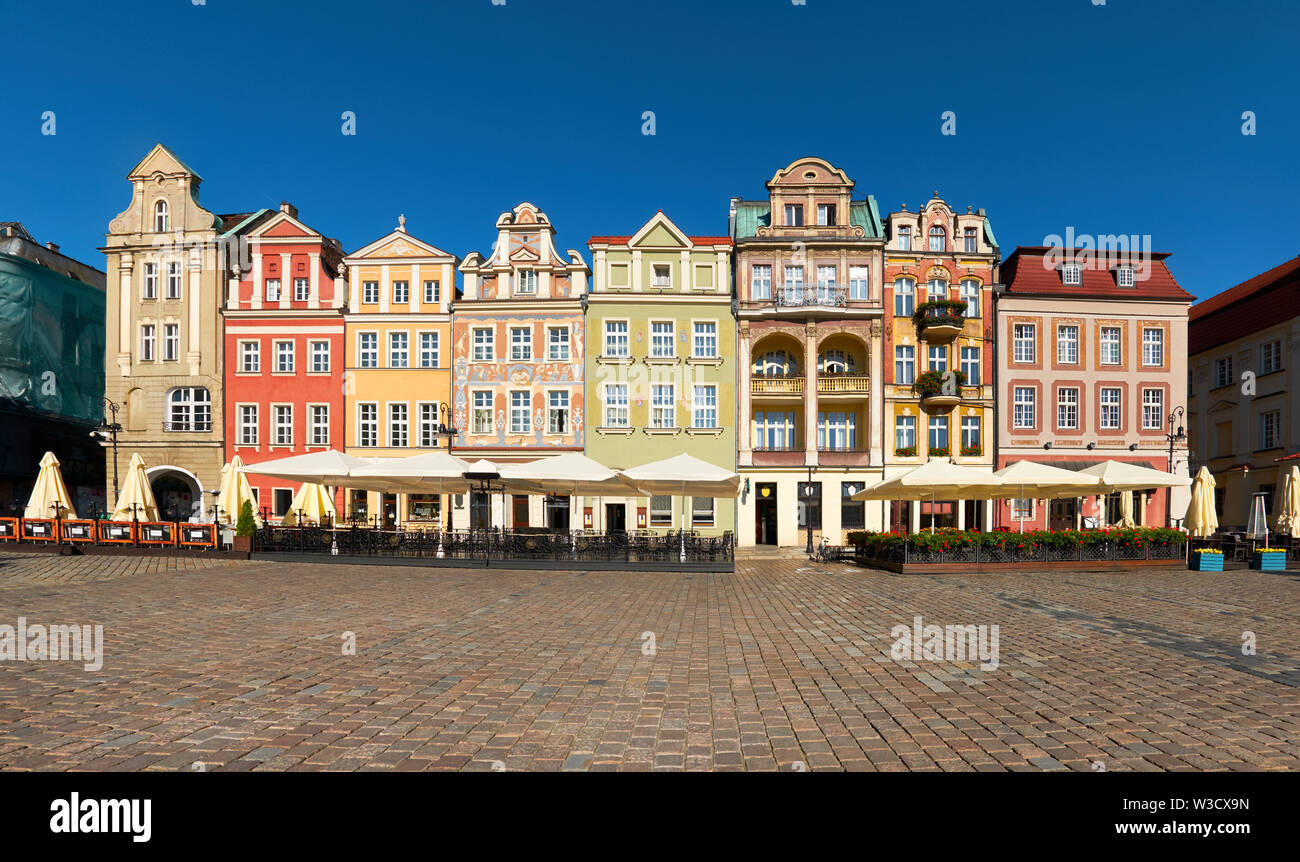 Colorful renaissance facades of old buildings on the Market square in Poznan, Poland Stock Photo