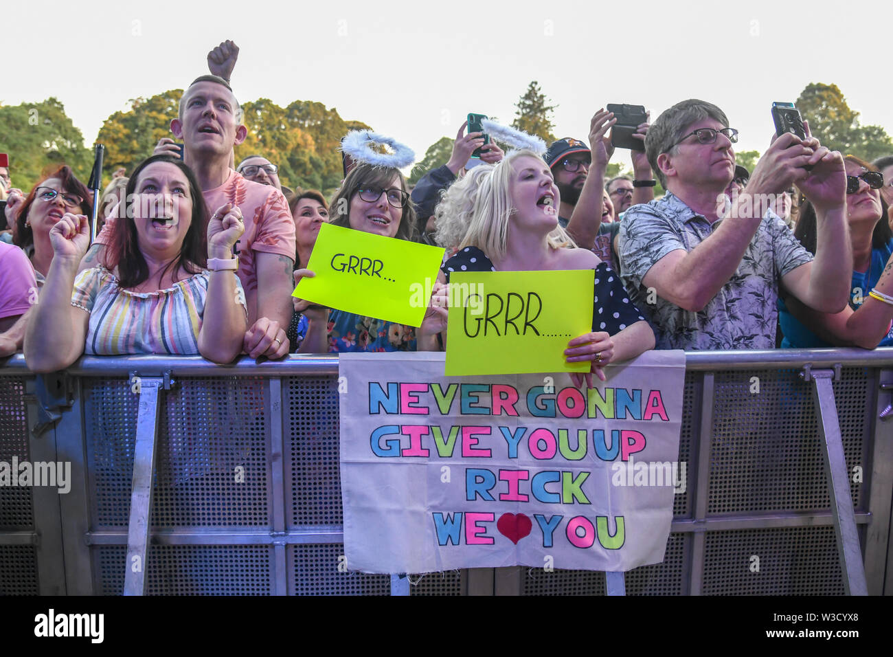 London, UK. 14th July 2019. Thousands screaming fans at Rick Astley, 80s icon returned performs at Kew the Music 2019 on 14 July 2019, London, UK. Credit: Picture Capital/Alamy Live News - Stock Image