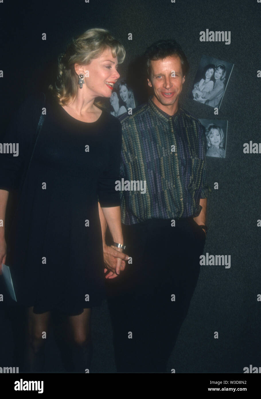 West Hollywood California Usa 23rd September 1994 Exclusive Actress Jean Smart And Husband Actor Richard Gilliland Attend The Opening Of Marvin S Room On September 23 1994 At Tiffany Theater In West Hollywood Jean plays aunt audrey, who took in her sister's two kids after her sister's recent suicide. https www alamy com west hollywood california usa 23rd september 1994 exclusive actress jean smart and husband actor richard gilliland attend the opening of marvins room on september 23 1994 at tiffany theater in west hollywood california usa photo by barry kingalamy stock photo image260291726 html