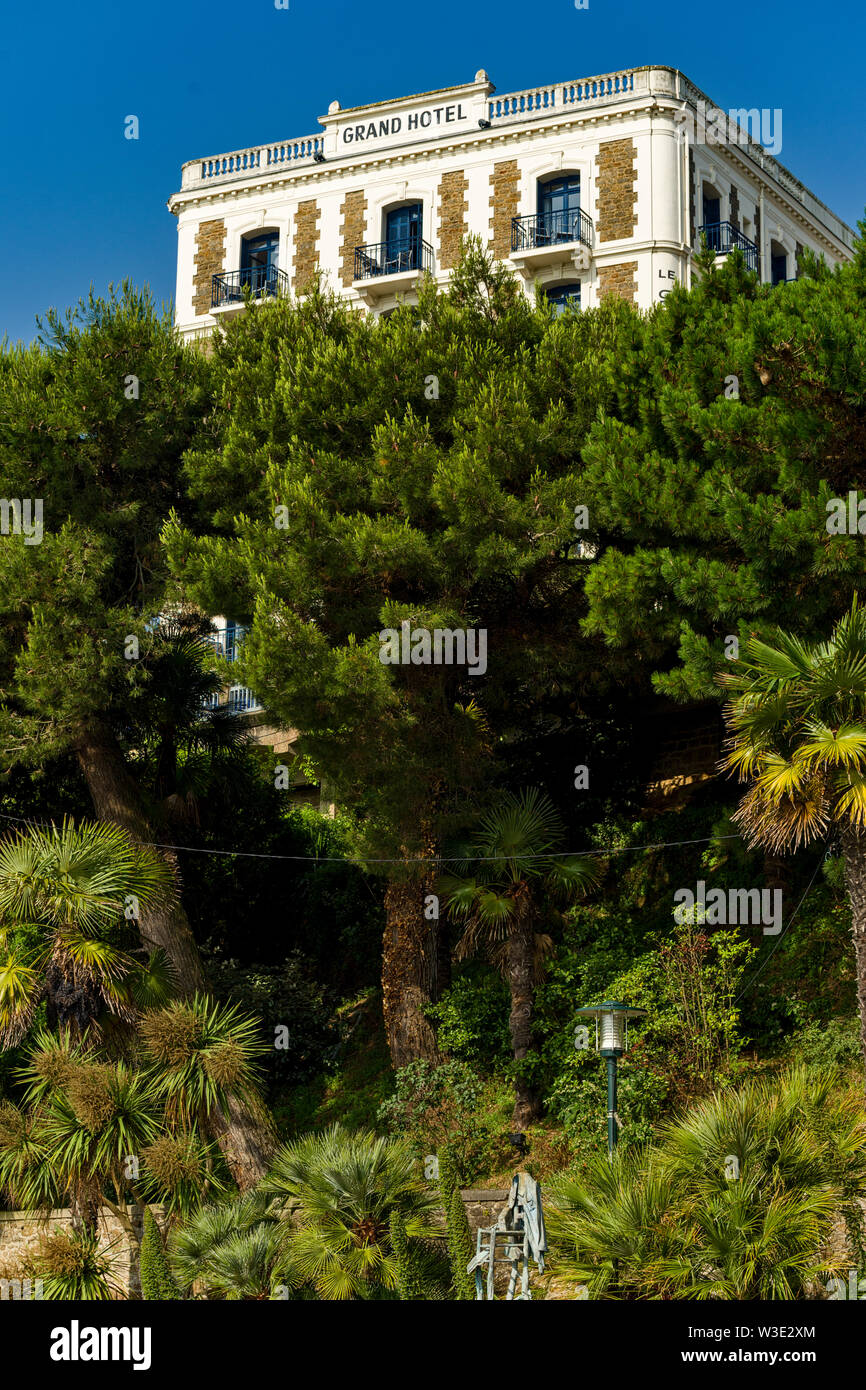 The Dinard Grand Hotel, emblematic of the resort, and more than 150 years old in Dinard, Brittany, France - Stock Image