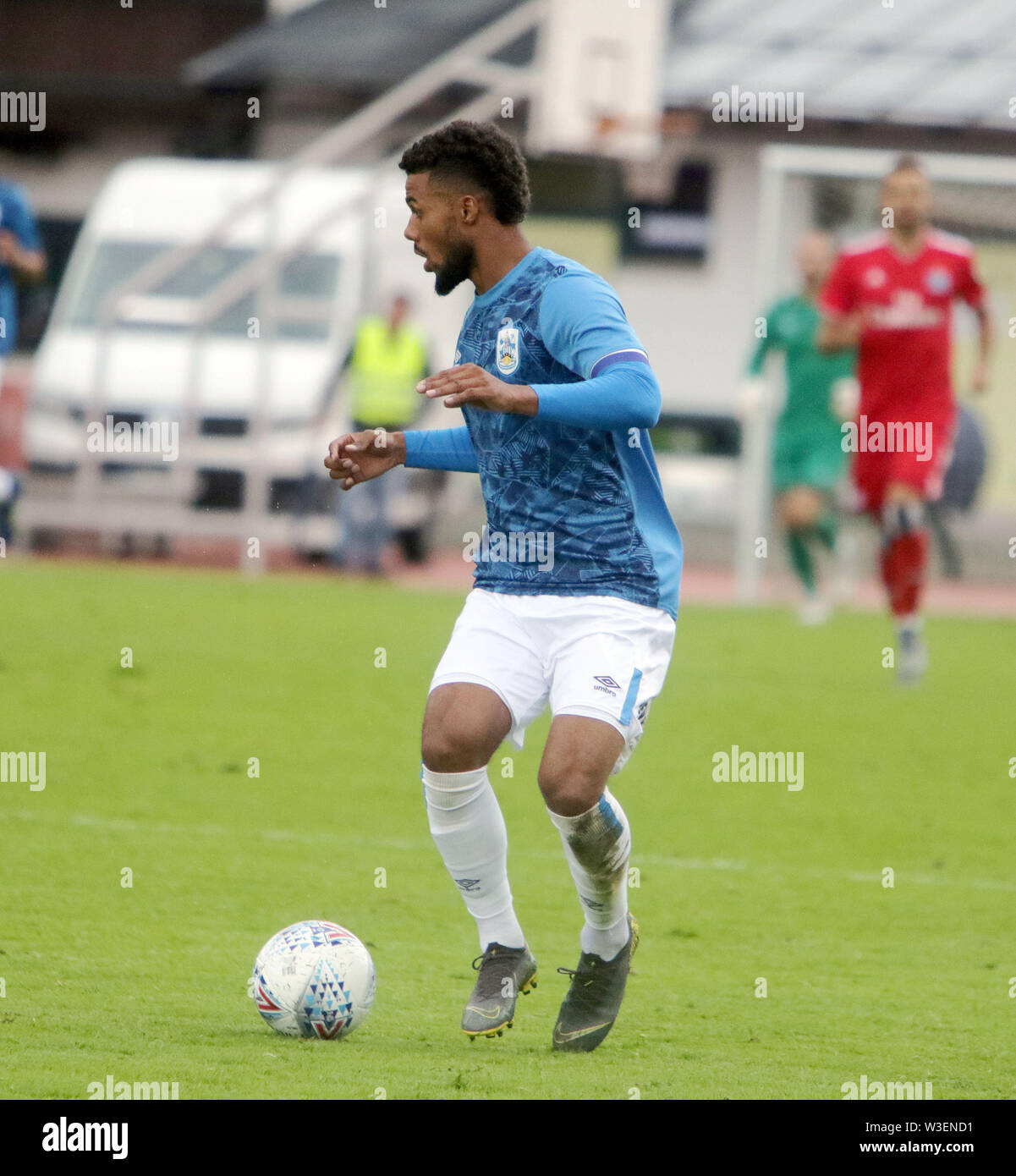 July 13, 2019 - Kitzbuehel, Austria - Elias KACHUNGA (Huddersfield), .pre season friendly 2019/20, .Huddersfield Town FC vs Hamburger SV,.Stadion Kitzbuehel/Austria, July 13, 2019, .Huddersfield Town, the relegated team of the Premiere League wins in a pre season friendly against the former German champion Hamburger SV. (Credit Image: © Wolfgang Fehrmann/ZUMA Wire) - Stock Image