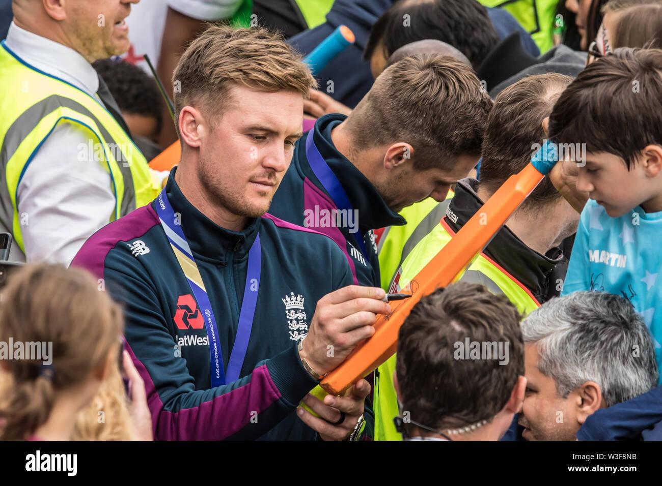 London Uk 15 July 2019 Jason Roy Signing Autographs As