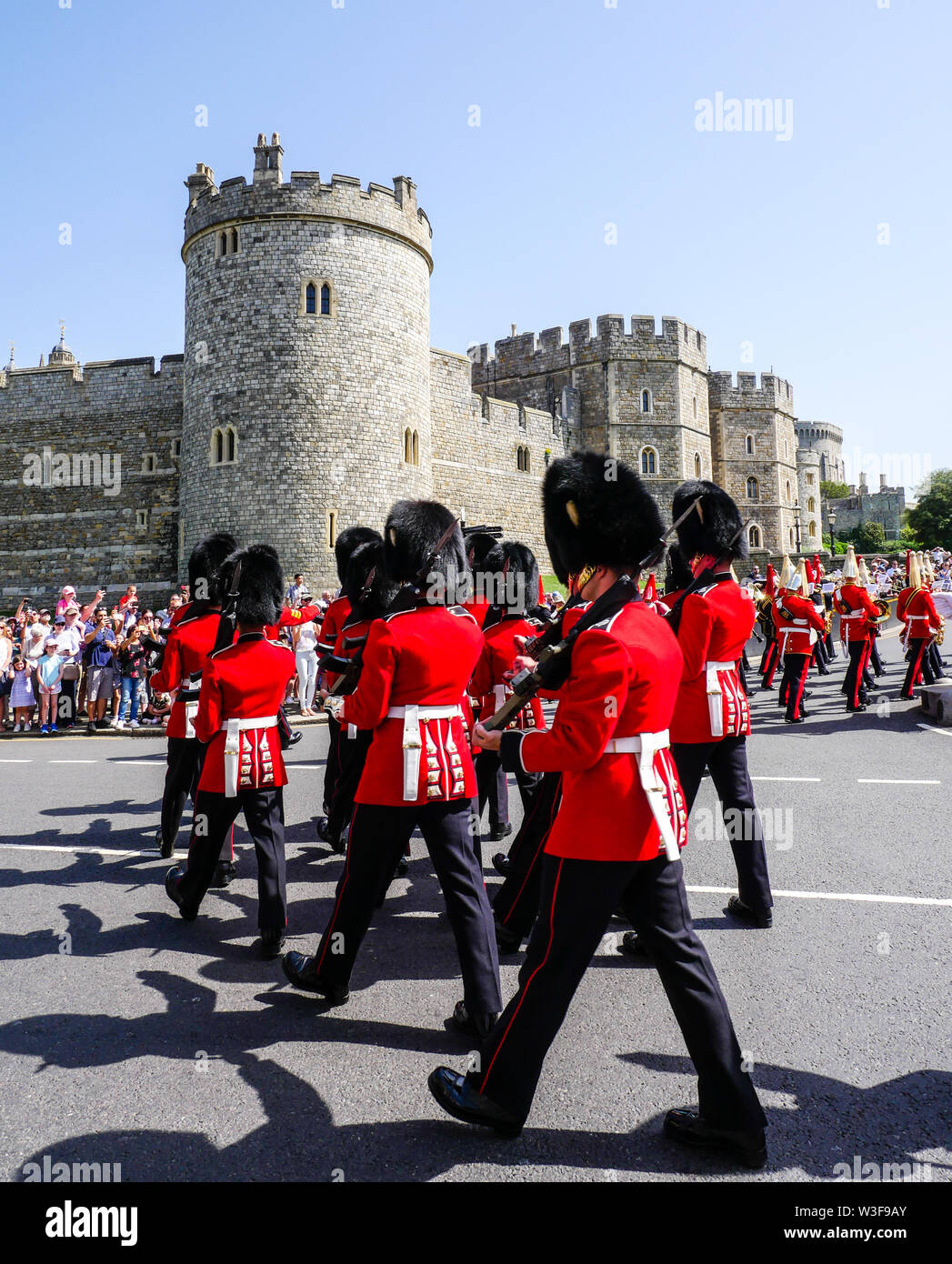 Changing The Guard at Windsor Castle, Queens Life Guard, Windsor Castle, Windsor, Berkshire, England, UK, GB. Stock Photo