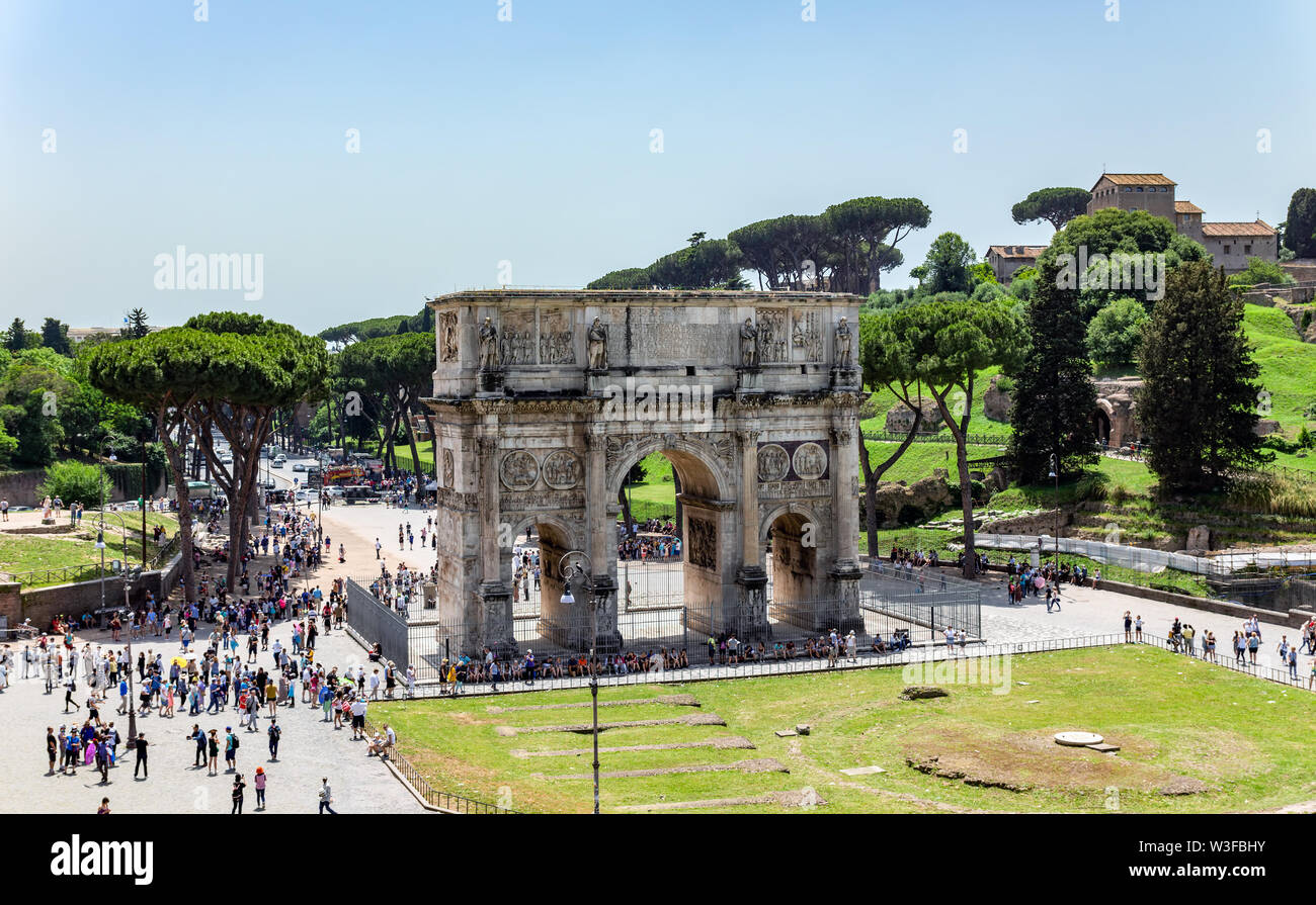 Triumphal Arch of Constantine near Colosseum - Rome, Italy - Stock Image