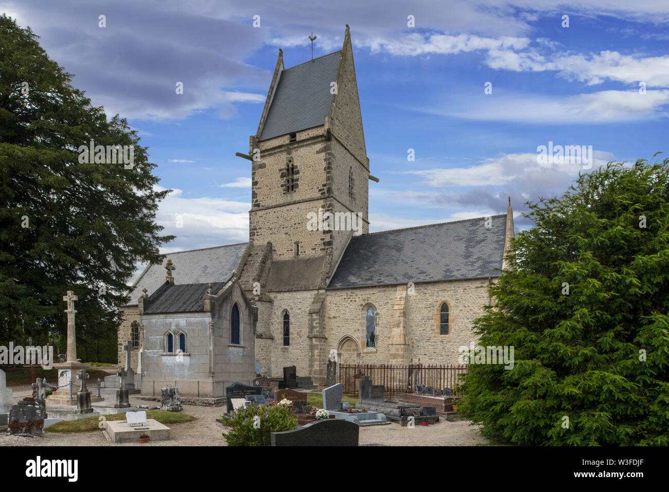 Church église Saint-Côme-et-Saint-Damien, used by two US Army Medics as a first-aid post during WW2 at Angoville-au-Plain, Manche, Normandy, France - Stock Image