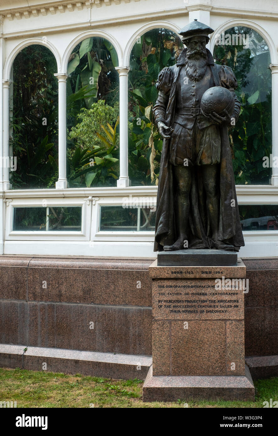 Statue of Gerardus Mercator, the father of modern cartography and inventor of the projection map, outside the Palm House at Sefton Park, Liverpool (UK - Stock Image