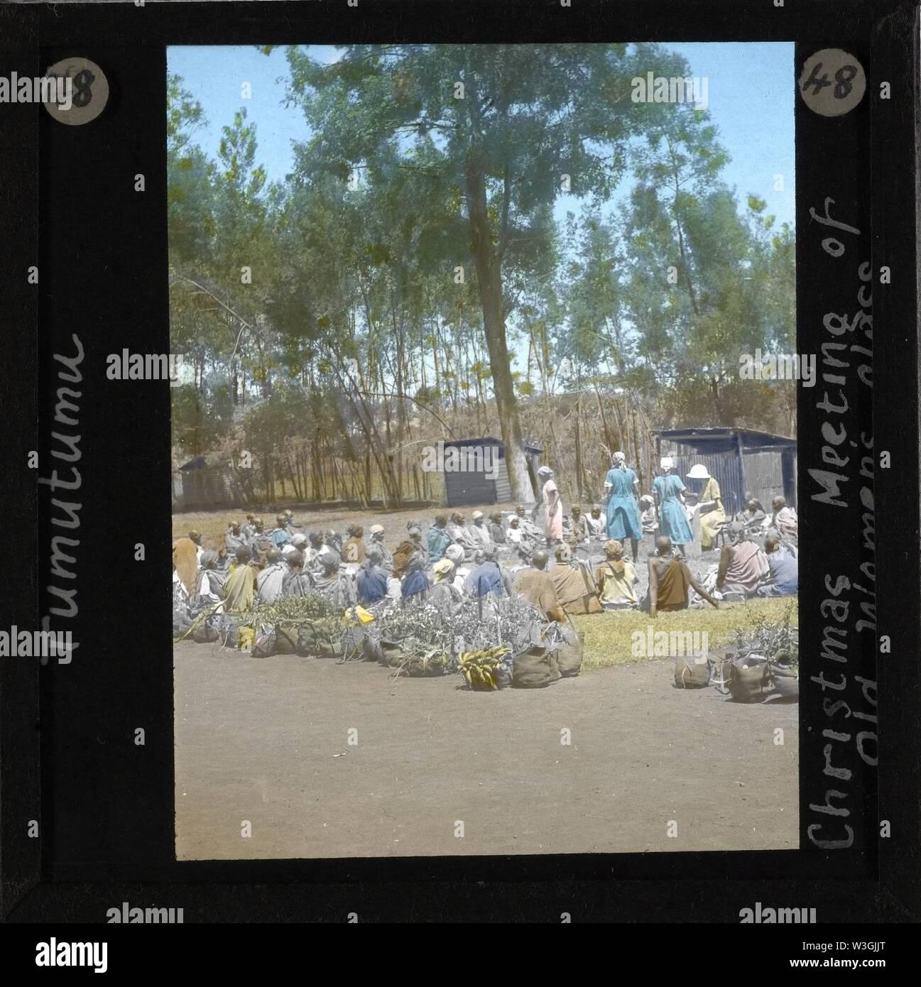 Christmas Meeting of an Old Woman's Class, Tumutumu, Kenya, ca.1905-ca.1940 (imp-cswc-GB-237-CSWC47-LS7-048). - Stock Image