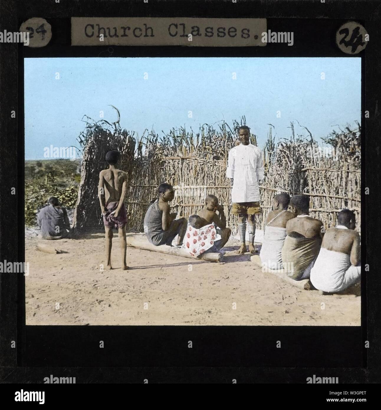 Church Classes, Lubwa, Zambia, ca.1905-ca.1940 (imp-cswc-GB-237-CSWC47-LS6-024). - Stock Image