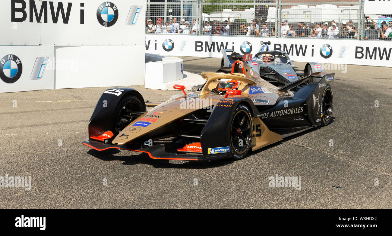 New York, United States. 14th July, 2019. Jean-Eric Vergne of Techeetah team drives electric racing car during New York City E-Prix 2019 Formula E Round 13 at Red Hook Credit: Lev Radin/Pacific Press/Alamy Live News - Stock Image