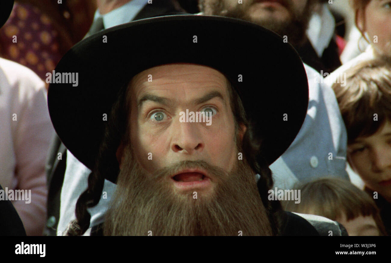 LES AVENTURES DE RABBI JACOB 1973 de Gerard Oury Louis De Funes. rabbin; rabbi Prod DB © Gaumont - Films Pomereu Stock Photo