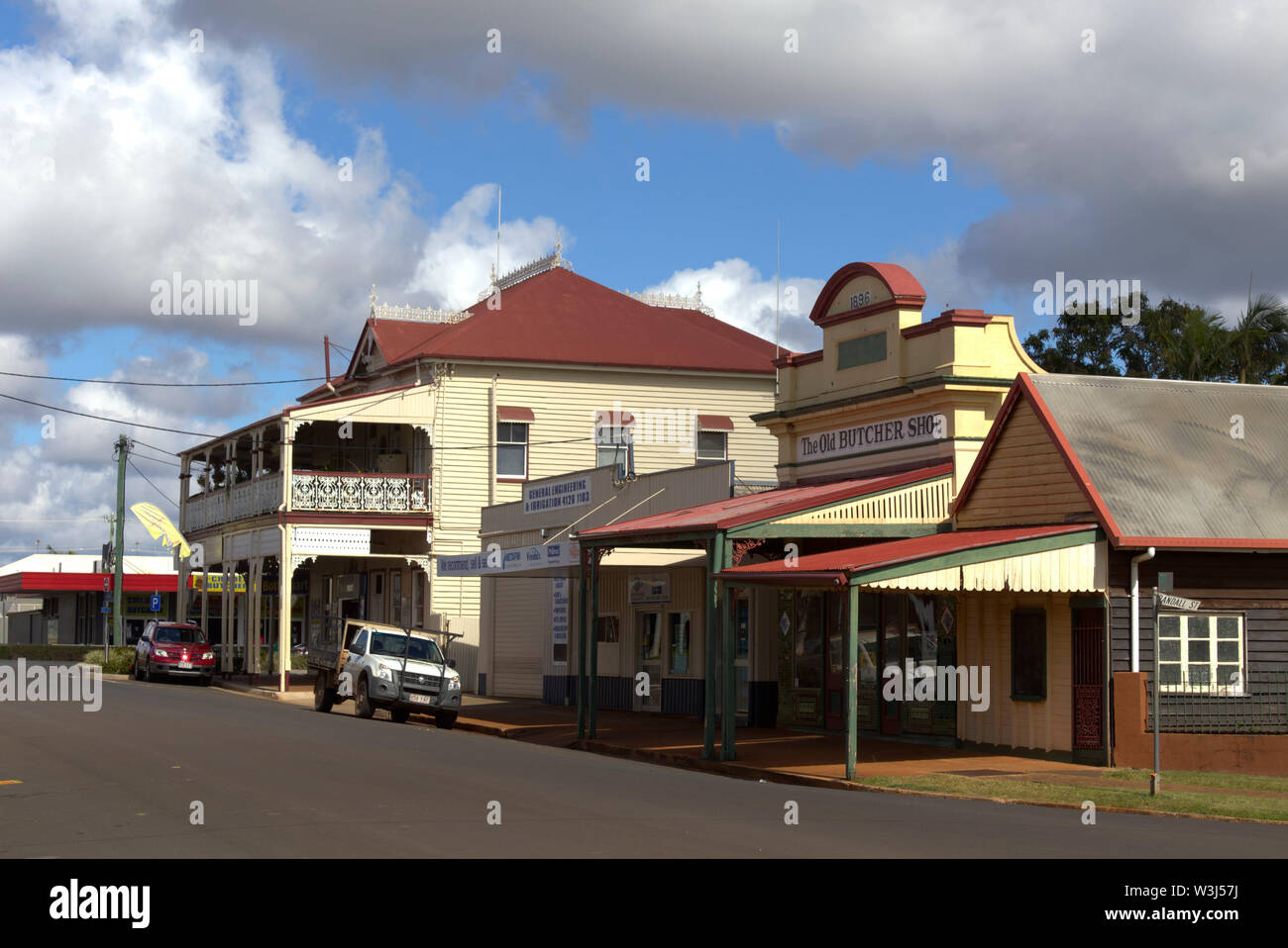 Historic streetscape of the olde butcher shop and Federal Hotel on North Street Childers Queensland Australia - Stock Image