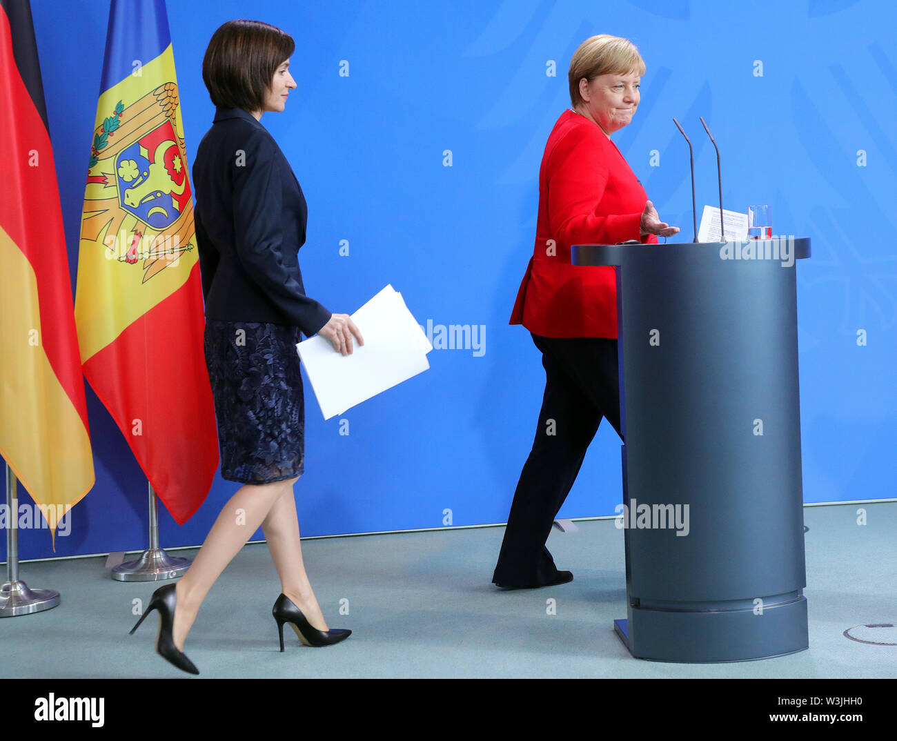 Berlin, Germany. 16th July, 2019. Federal Chancellor Angela Merkel (CDU, r) and Maia Sandu, Moldovan Prime Minister, will attend a press conference at the Federal Chancellery. Credit: Wolfgang Kumm/dpa/Alamy Live News - Stock Image