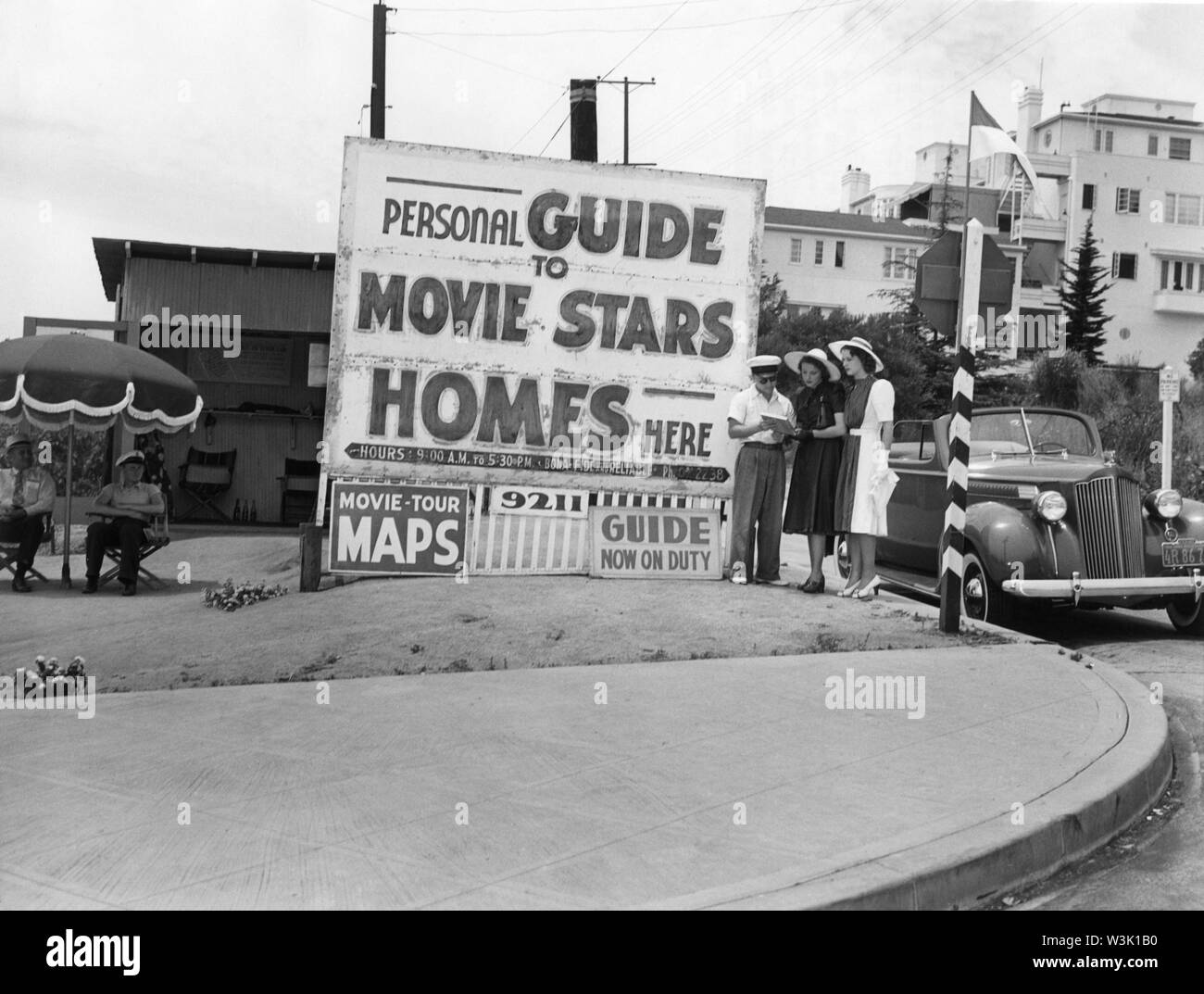 LARAINE DAY and MARY HOWARD Personal Guide to Movie Stars Homes 1940 Hollywood California Metro Goldwyn Mayer Publicity - Stock Image