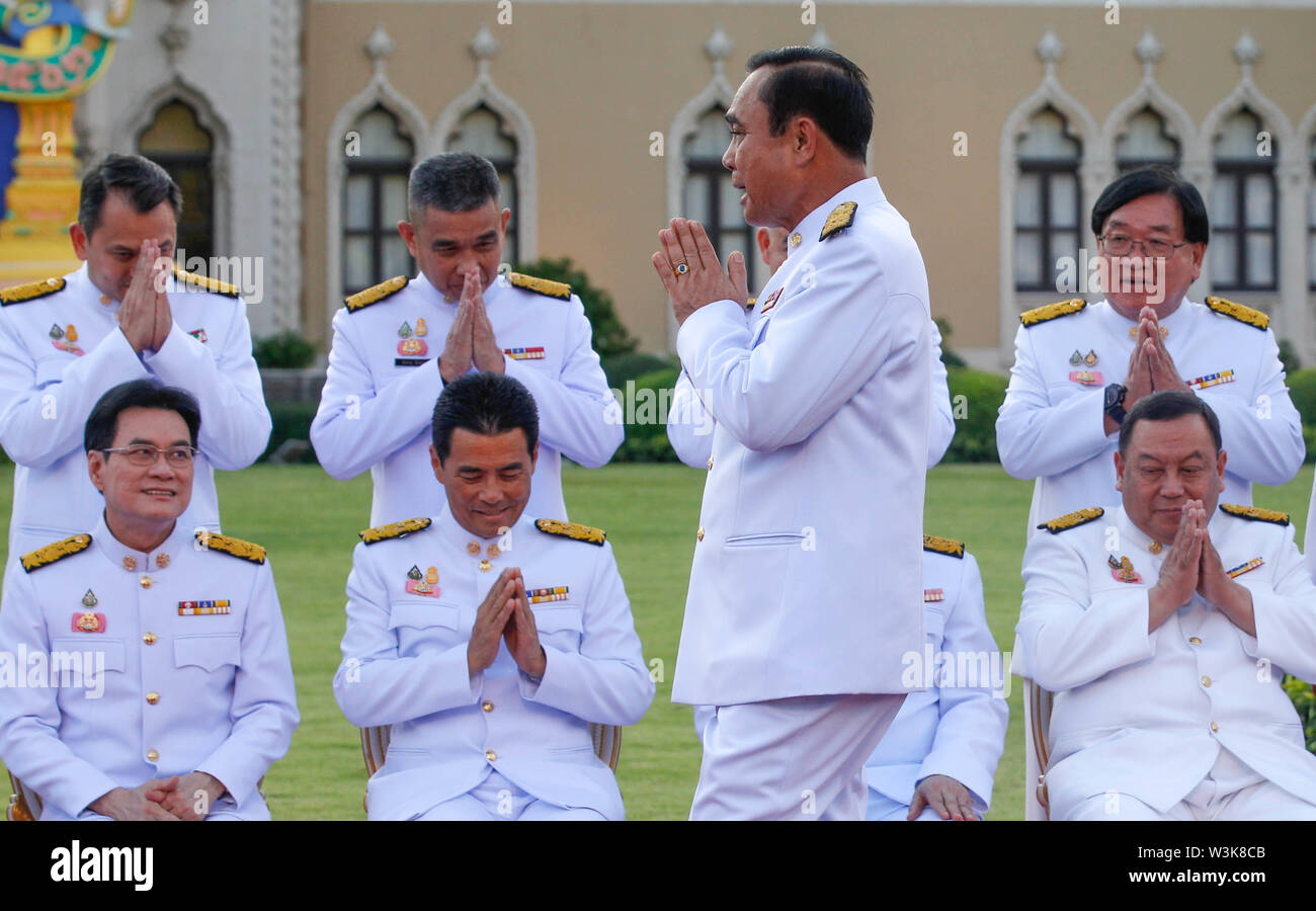 Thailand's Prime Minister, Prayuth Chan-ocha gestures after taking oath with his cabinet members in front of Thailand's King Maha Vajiralongkorn. - Stock Image