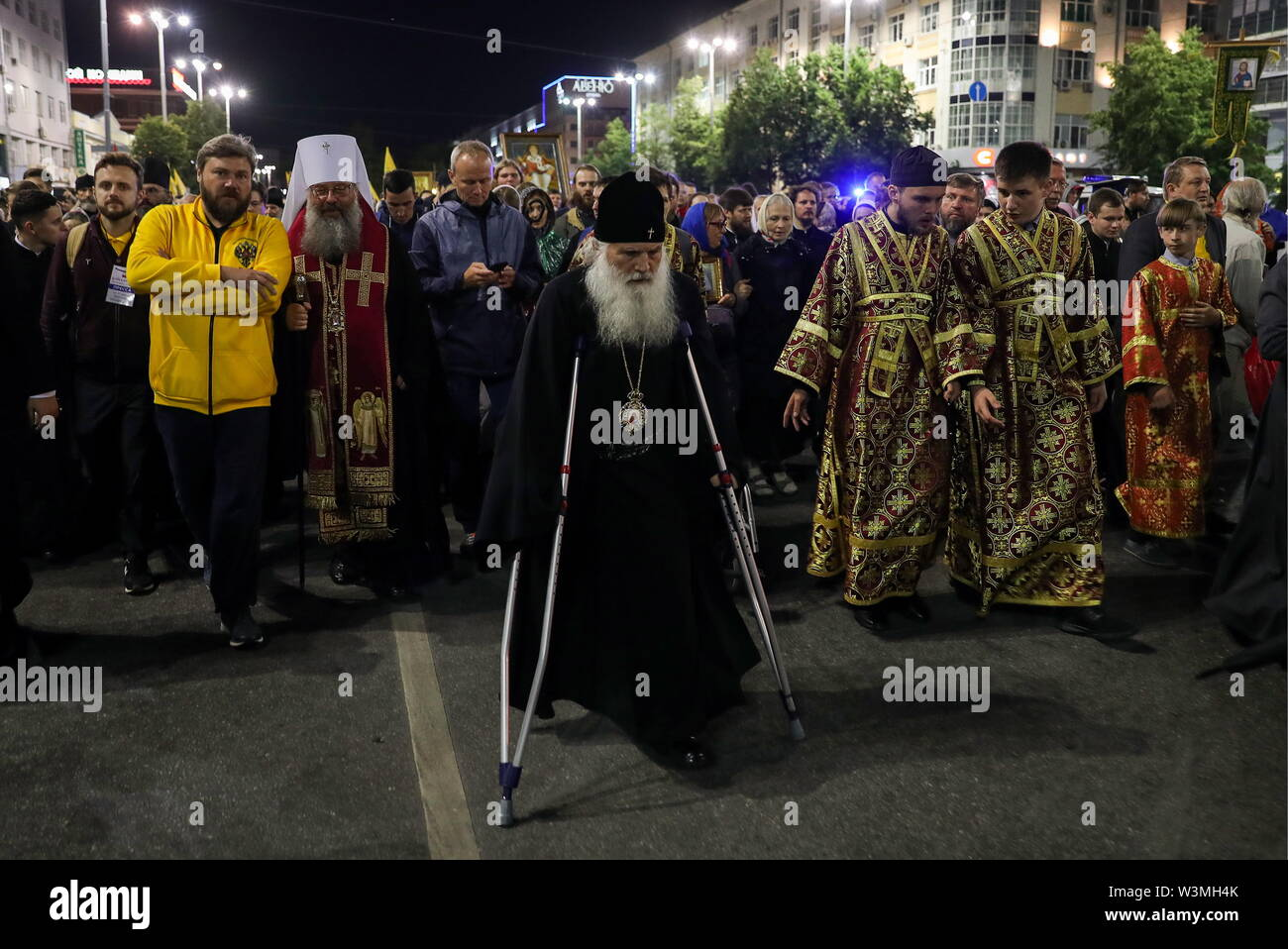 Yekaterinburg, Russia. 17th July, 2019. YEKATERINBURG, RUSSIA - JULY 17, 2019: Believers and members of the clergy take part in a religious procession in memory of the Russian royal family from the Church of All Saints in Yekaterinburg to the Ganina Yama Monastery in the Sverdlovsk Region. Emperor Nicholas II of Russia and his family were executed on July 17, 1918. The procession is held as part of the Tsar Days Orthodox Culture Festival. Donat Sorokin/TASS Credit: ITAR-TASS News Agency/Alamy Live News - Stock Image